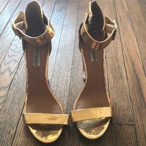 Steve Madden gold clear heel !